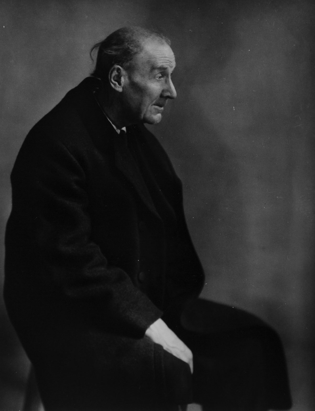 Eugène Atget, Paris (1927) by Berenice Abbott.